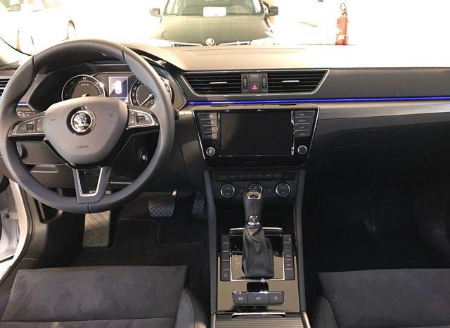 Voitures neuves Skoda Superb Combi automatique full