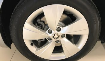 Voitures neuves Skoda Superb 5d manuelle full